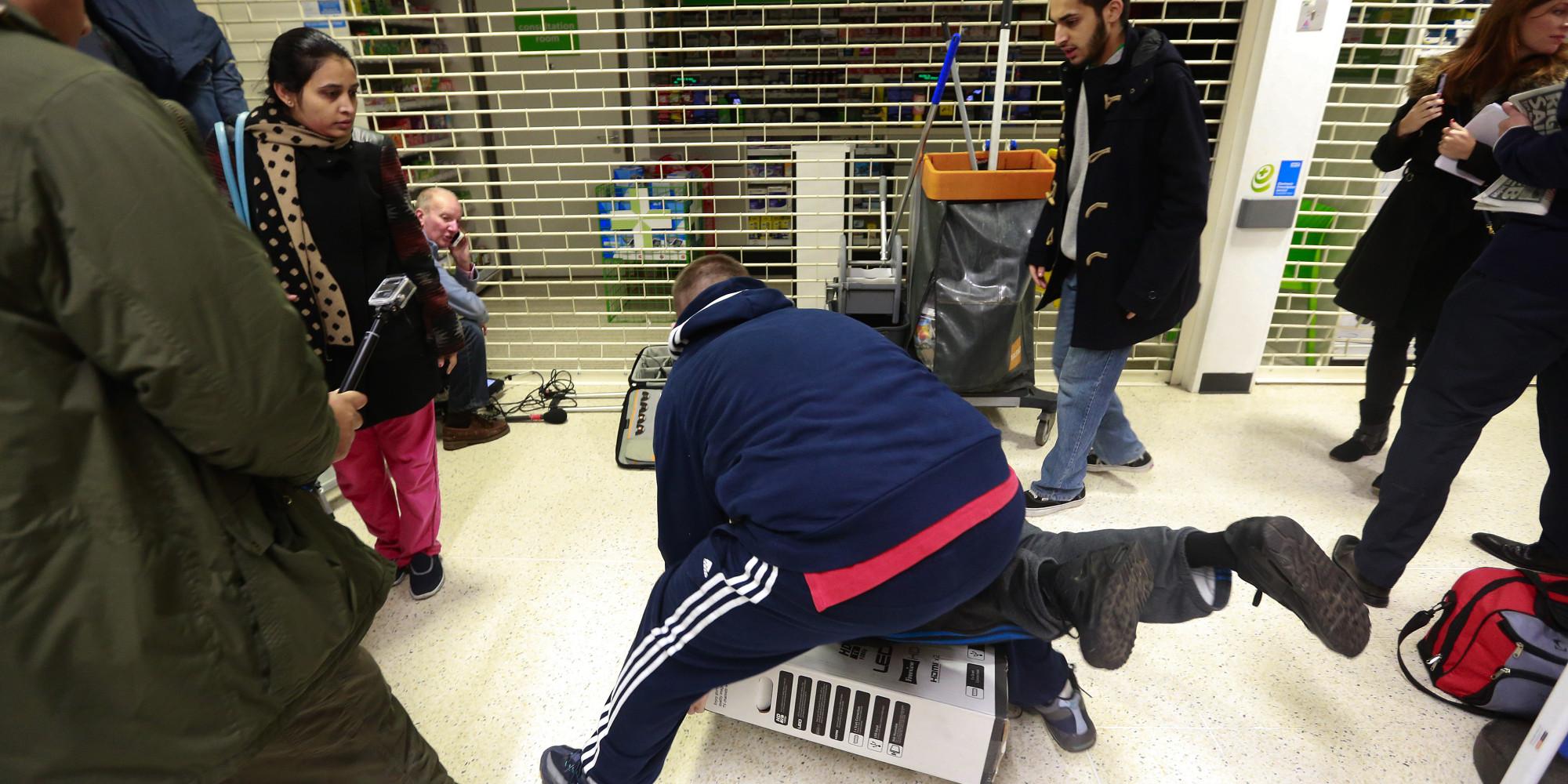 Wal-Mart Stores Inc.'s U.K. Asda Supermarket Entices Shoppers With Black Friday Deals